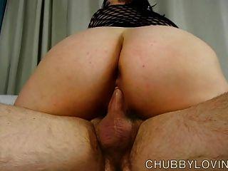 Super sexy gorda em bodysuit fishnet obtém blasted com cum