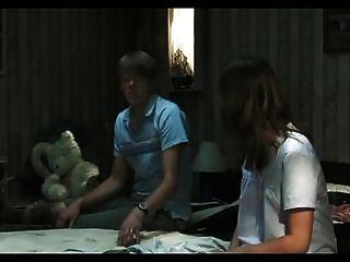 Cuckold assiste sua esposa