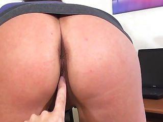 Ela quer que você assista
