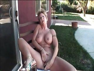 Minha avó piercings sexy com mamilos perfurados e sexo buceta