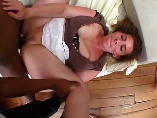 curvy milf cuckolds husband with black dick