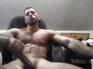 Str8 jerking assistindo pornô