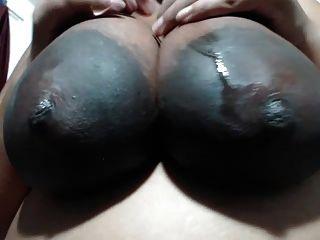 A senhora indiana das areolas enormes ama minhas bolas do ngg r