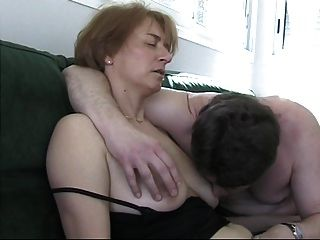 Esposa quente francesa pronta para ser fodida duramente!