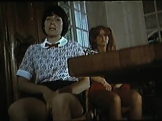 Collegiennes a tout faire (1977) com marilyn jess