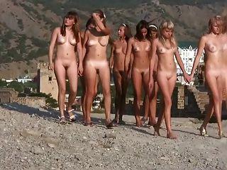 Nudistas jovens