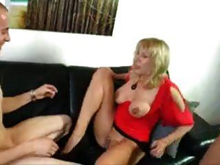 2 mãe madura doce e cara afortunado