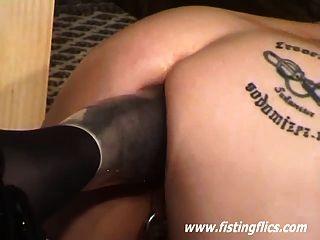 Bizarro pé fodido e anal escravo fisted