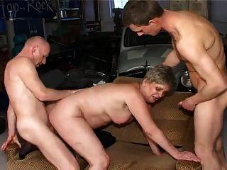 Granny anal trio vr88