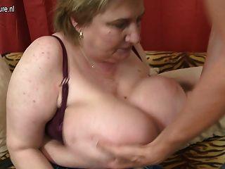 Mama brebada enorme bbw ficando fodida por seu menino de brinquedo