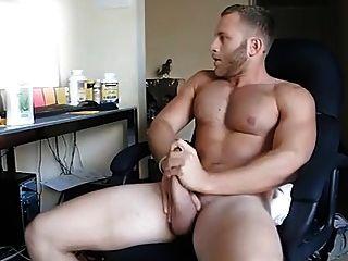 Str8 cara assistindo pornografia e acidente vascular cerebral