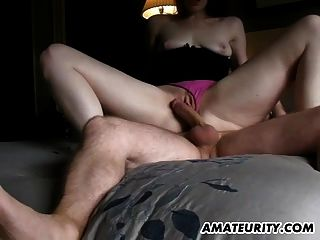 Namorada amador suga e fode com creampie cumshot