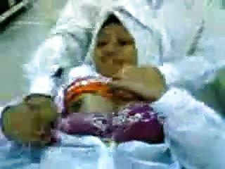 Malaio minah tudung hijab tayang tetek dan pepek