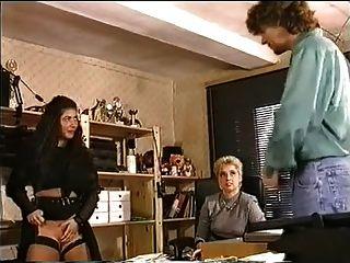 No escritório um grande tits tentar lesbo fisting e fuck anal