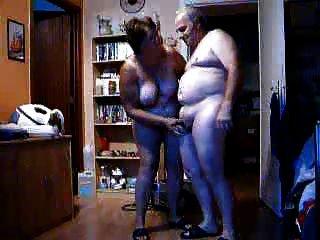 Velho casal em ação 1