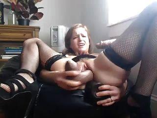Babe em lingerie fode-se na buceta e burro