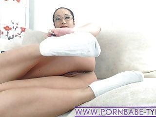 Hot asian pornbabetyra sneaker meia e fetiche de pé