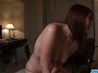 Araki hitomi busty milf anseia por uma foda difícil