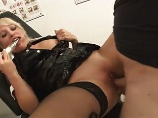 2 maravilhosas senhoras alemãs analsex e compartilhar o cum