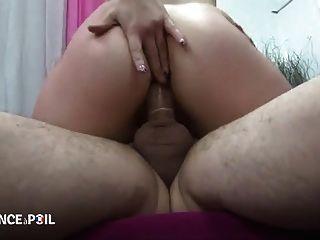 Jolie milf demontee para filho casting porno
