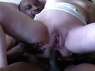 Mulheres maduras fodendo anal