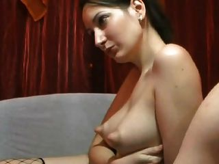 Puffy mamilo webcam babe provocando galo