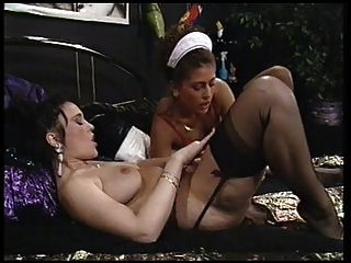 Uma boa empregada encontra seus desejos lésbicos da senhora