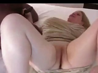 Esposa disposta no motel do aeroporto