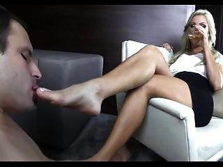 Cuckold adora pé