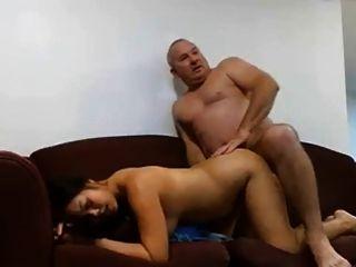 Homem maduro fode sua mulher
