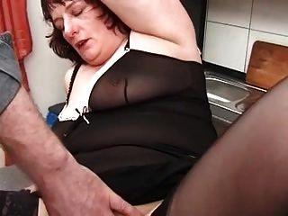 Minha piercings sexy perfurado avó em meias fisting