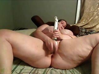 Garota maior tem um orgasmo doce
