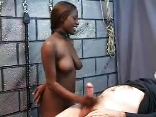 Black sexslave fodido bem pelo velho homem branco