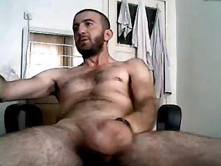 Masturbando turco turco hunk servet tem um grande pau duro