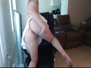 Bela garota webcam ajuda você a sair