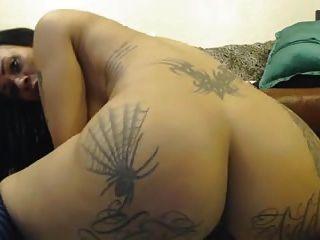 Nice webcam tatuagem fisted todos os buracos 4