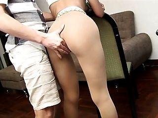 Esposa em meia-calça