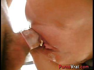 une grosse se fait baiser salope dorcel