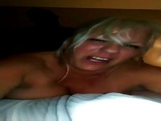 A esposa dos grandes mamas fica enegrecida