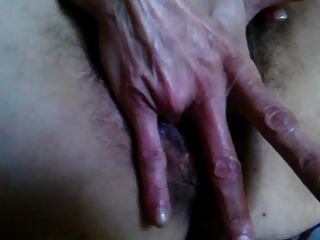 Creampied peludo pussy
