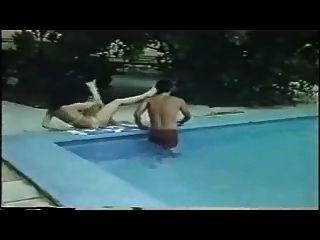 Grego vintage porn triplo cama triplo krevati