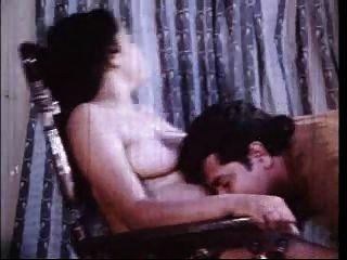 Busty indian school girl fucking com namorado