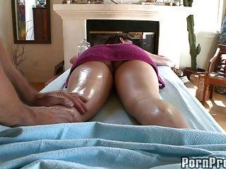 massagem amadora de borracha