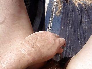 masturbando-se na praia parte 2