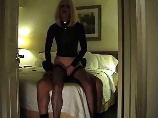 prostituta quente joga com um cliente