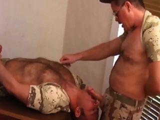 pai e soldado militar