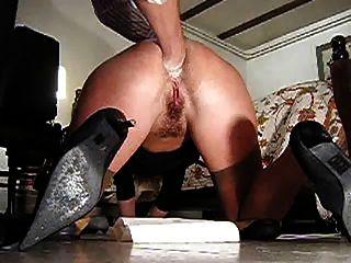 fúria anal amadora no chão