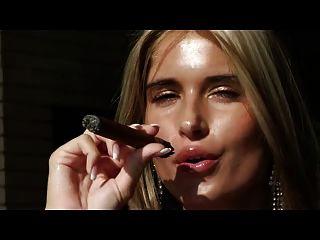 arquivos errotica são obrigatórios para os amantes de cigarros
