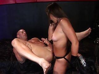 amante de cachorrinha fodendo, e permitindo que seu escravo foda-a