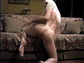 Crossdresser sexy perna e ass show